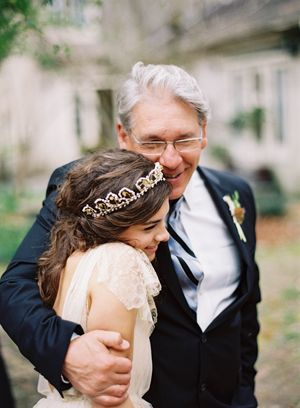 father-of-the-bride-handmade-backyard-wedding
