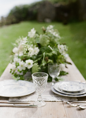 green-outdoor-wedding-centerpieces