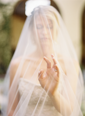long-sheer-wedding-veil