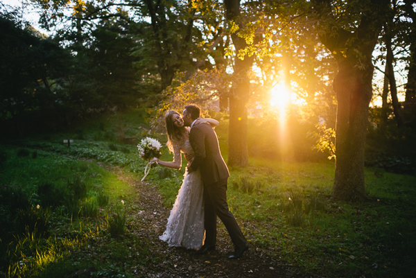 sunset-outdoor-fall-wedding-ideas