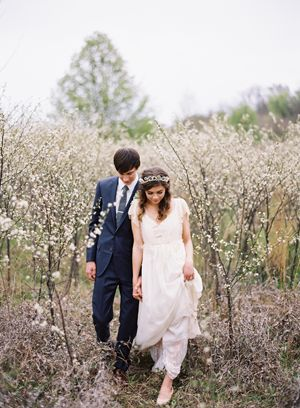 white-blossom-saplings-early-spring-wedding