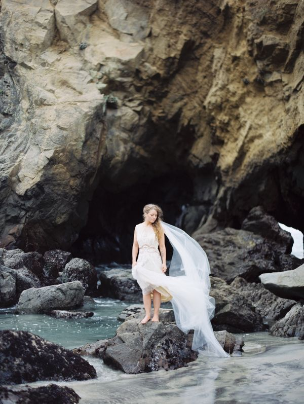 bride-sea-cliffs-rocks-big-sur-pfeiffer-beach