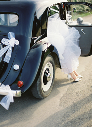english-getaway-car-wedding-ideas