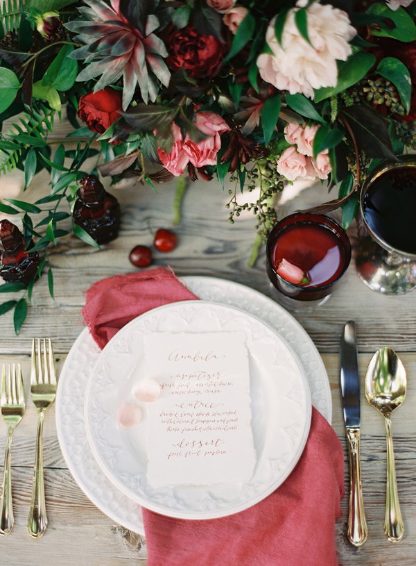 garnet-spring-wedding-color-reception-ideas