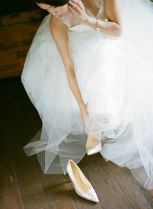 gold-glitter-wedding-heels
