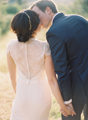 lace-back-wedding-dresses