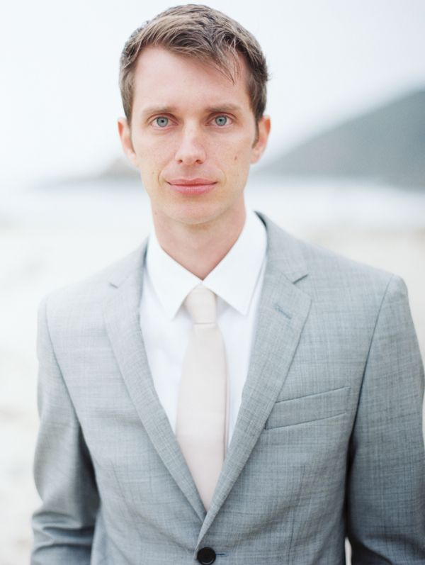 seaside-beach-groom-grey-suit-sand-tie