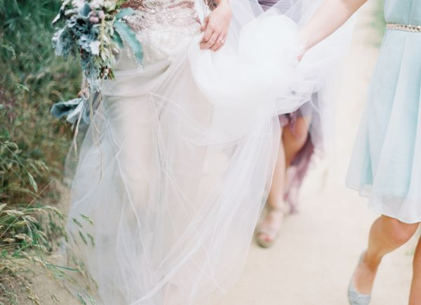 tulle-mint-bridesmaids-walking-path