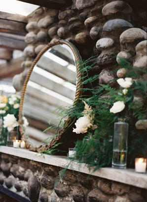 cozy-cabin-winter-wedding-ideas