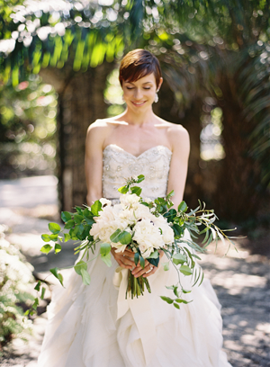 green-and-white-wedding-bouquet