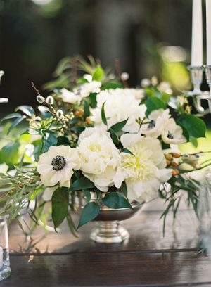 green-and-white-wedding-centerpieces
