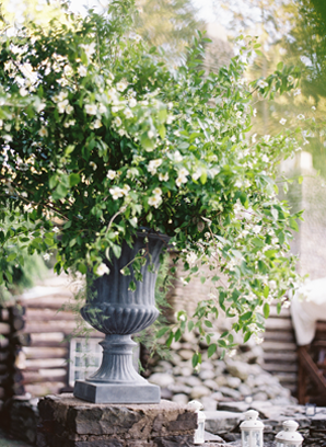 green-branch-wedding-centerpiece-ideas