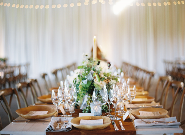 indoor-rustic-green-wedding-reception-ideas