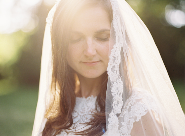 lace-trim-wedding-veil-ideas
