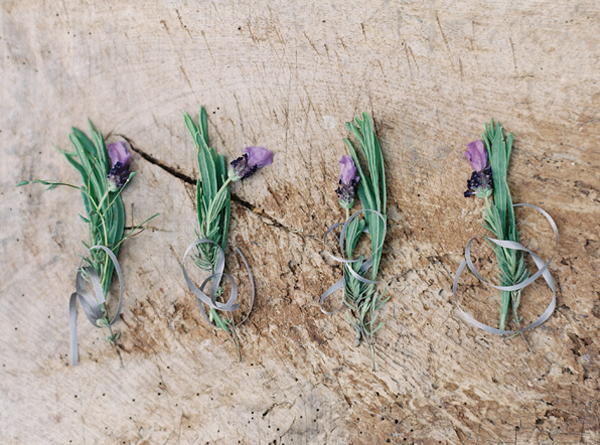 lavender-wedding-boutonnieres