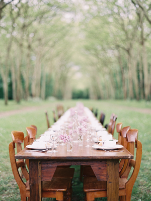 long-family-style-wedding-reception-ideas