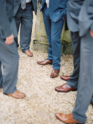 navy-blue-groomsmen-suits