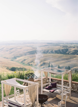 outdoor-tuscany-wedding-villa