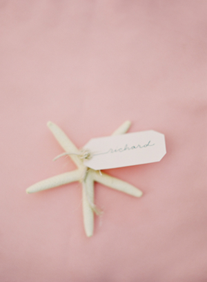 starfish-place-card-wedding-ideas