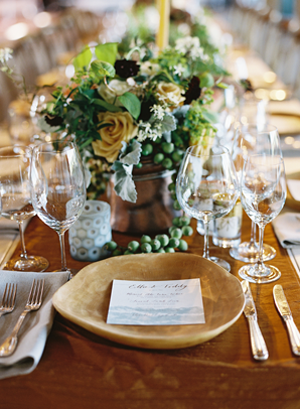 whimscial-rustic-green-wedding-centerpiece-ideas