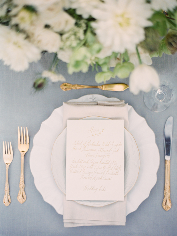 gold-calligraphy-elegant-wedding-menu-ideas