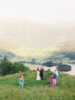 simple-norway-wedding-ceremony