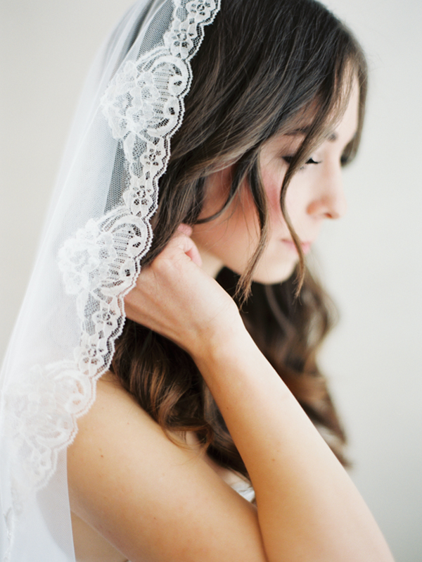 anitque-lace-wedding-veil