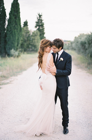 classic-backless-wedding-dresses