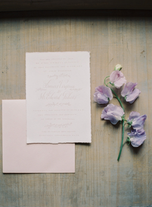 elegant-lilac-calligprahy-wedding-invitation-ideas