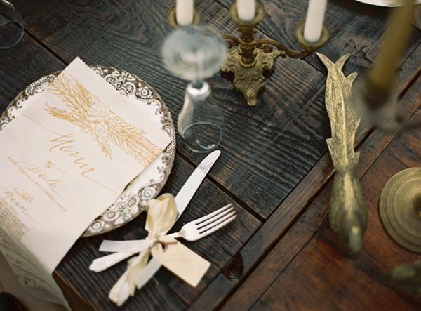 gold-calligraphy-wedding-menu-ideas