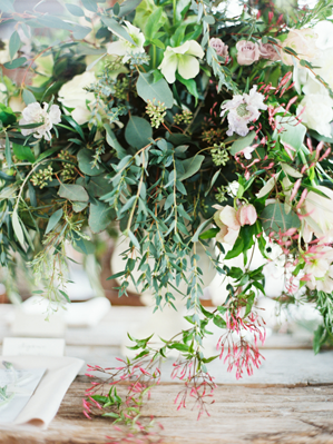 green-wildflower-wedding-centerpieces-ideas