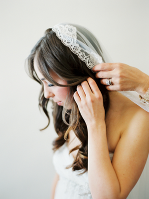 lace-trimmed-antique-wedding-veil