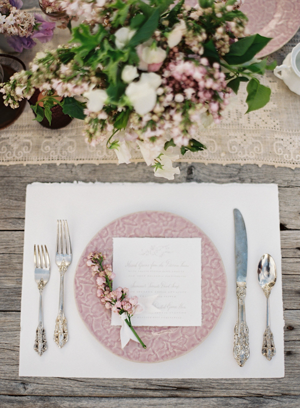 praire-inspired-lilac-and-pink-wedding-reception-ideas