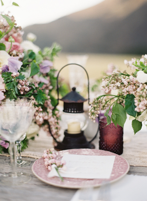 rustic-lilac-wedding-reception-table-ideas