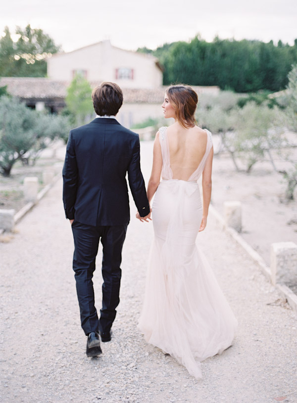 timeless-backless-wedding-dress-ideas