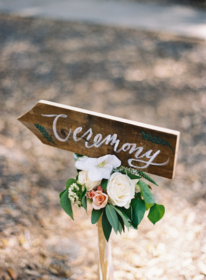 wedding-ceremony-handwritten-sign-ideas