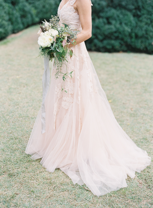 Elegant cheekwood nashville wedding once wed for Wedding dresses in nashville