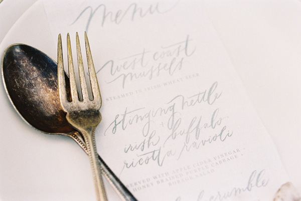 calligraphy-elegant-wedding-ideas