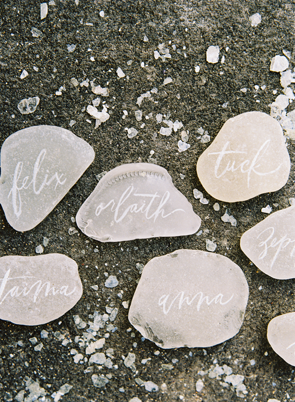 calligraphy-rock-wedding-place-cards