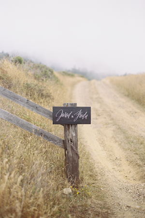 calligraphy-wedding-sign-ideas