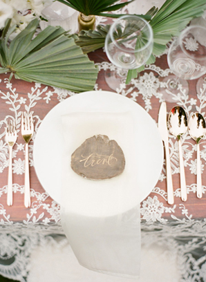 lace-and-gold-wedding-ideas
