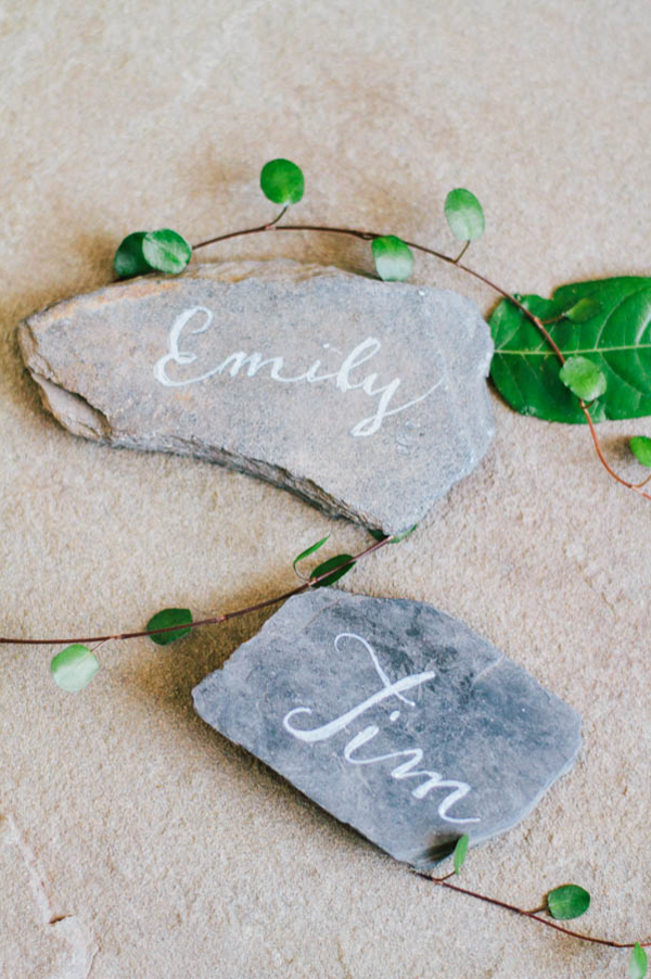 rock-wedding-place-cards
