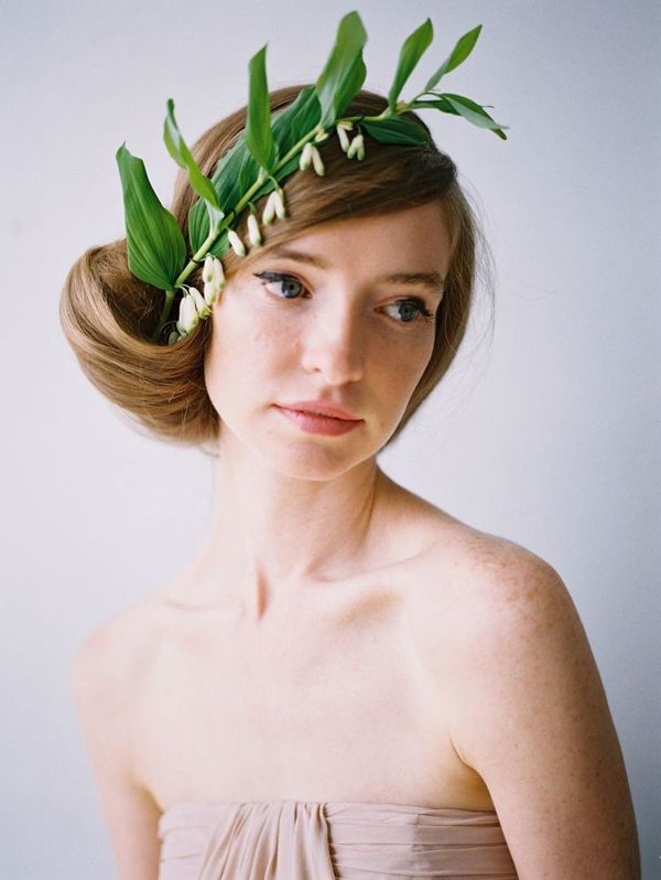flower-wreath-wedding-updos