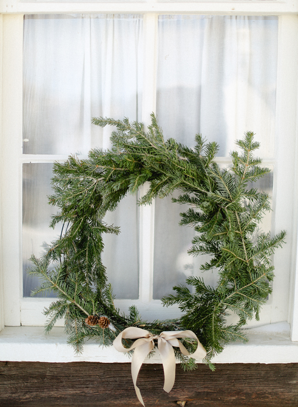 holiday-wreath-wedding-ideas-how-to