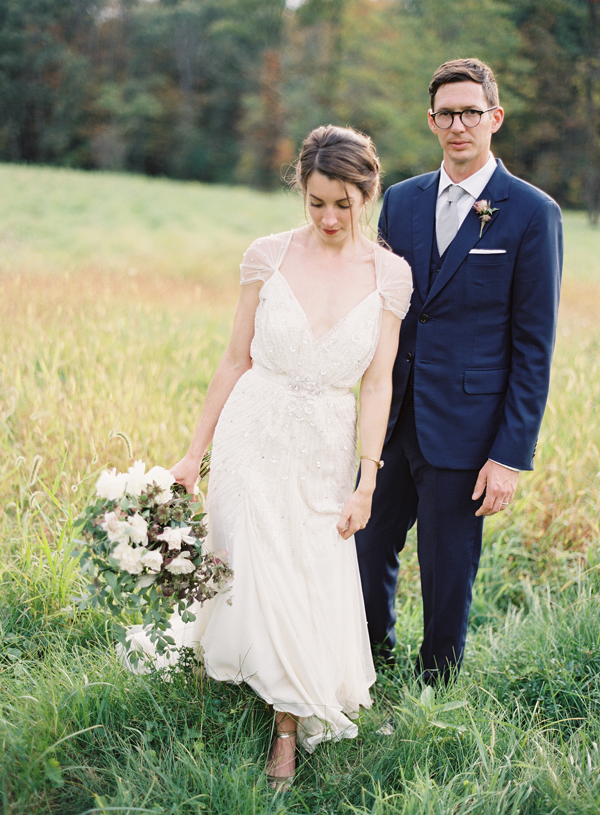 Elegant outdoor new york wedding alexandra grecco wedding for Second hand jenny packham wedding dress