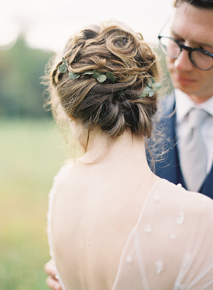 messy-elegant-weddin-updo-ideas