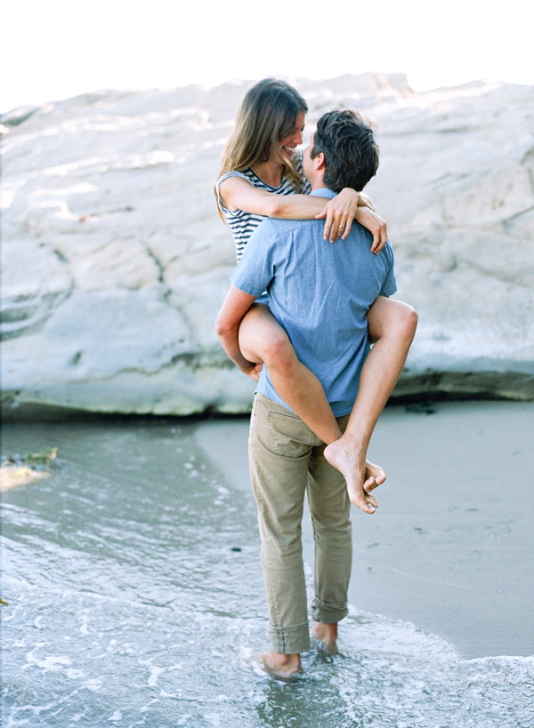 seaside-engagement-session-ideas