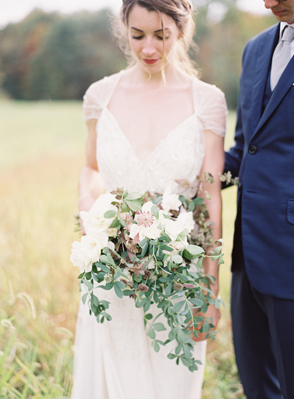 wildflower-rustic-wedding-bouquet