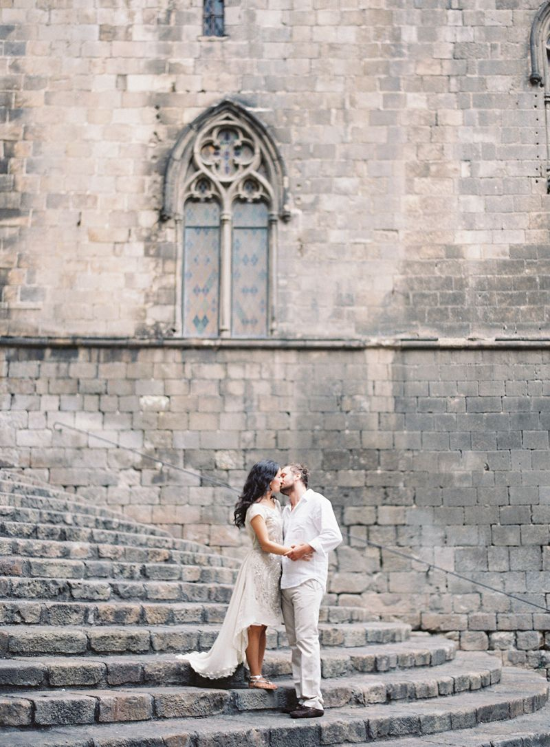 stairs-gothic-quarter-barcelona-engagement-session-bryce-covey-joy-thigpen