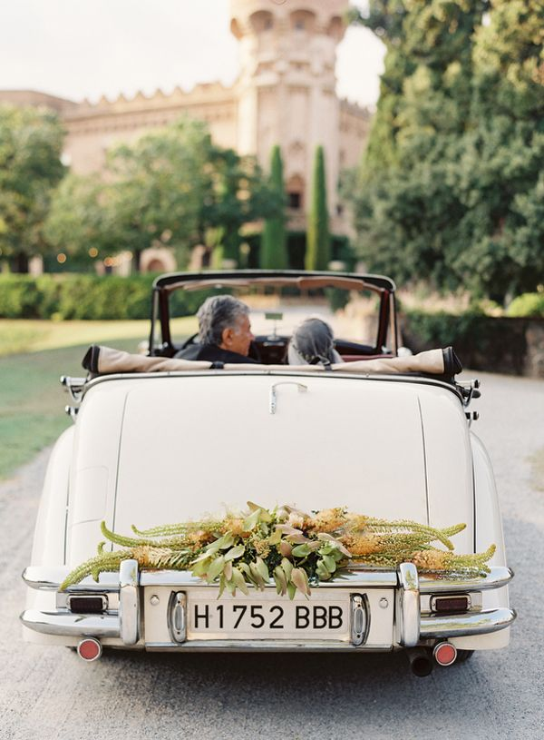 classic-white-ivory-convertable-car-wedding-garland-flowers-european